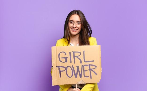 Mooie zakenvrouw feministe. meisje machtsconcept