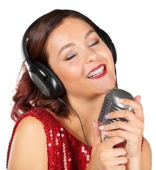 Mooie zangeres zingt een lied
