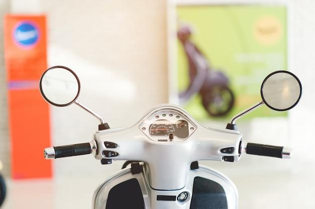 Mosai, een tweewielige auto die ons op verschillende plaatsen kan brengen