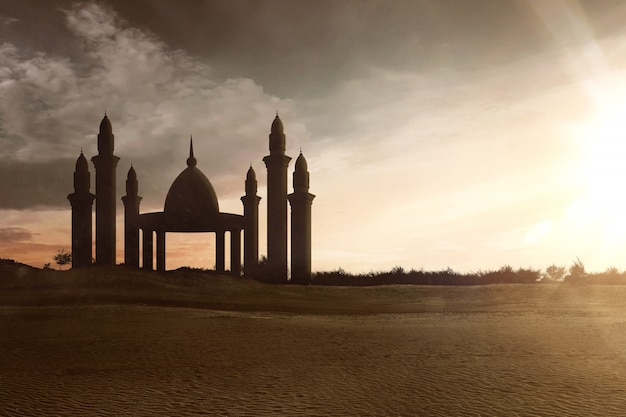 Moskee met hoge minaretten