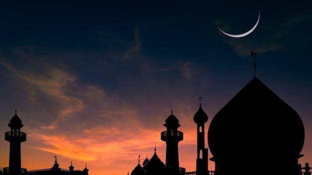 Moskeeën koepel op schemeringhemel en toenemende maan