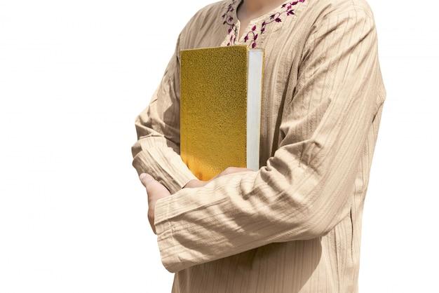 Moslim man met koran