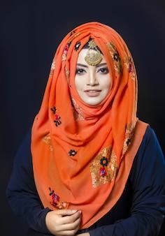 Moslimvrouw op hijab