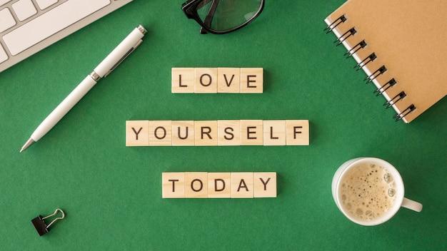 Motiverende boodschap zelfliefde concept v