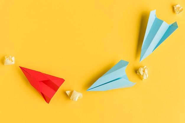 Motolietpapier en vliegtuigen