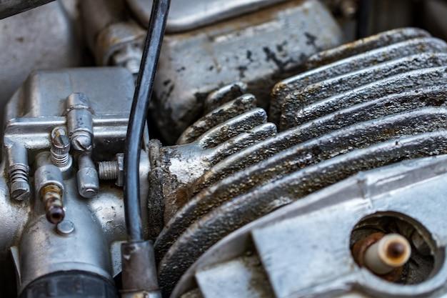 Motor detail - motorblok, metalen onderdelen van motorfiets.