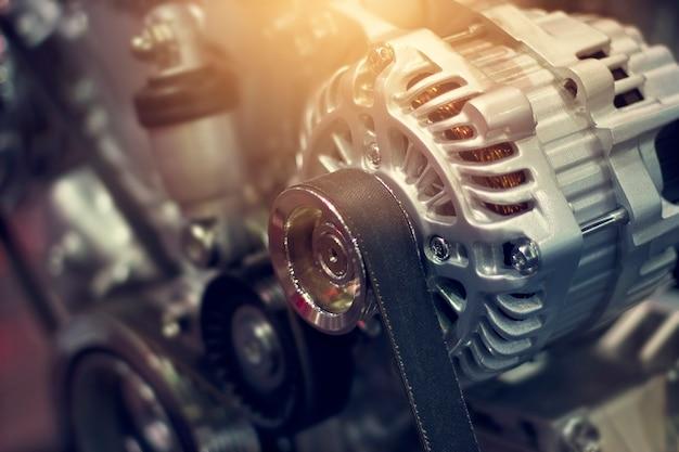 Motor van een autodeel in verlichting