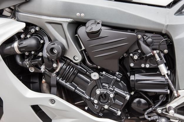 Motoronderdelen van een race motorfiets close-up.