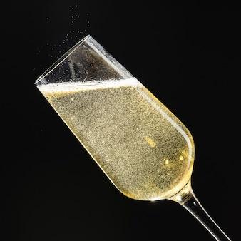 Mousserende wijn in een fluit