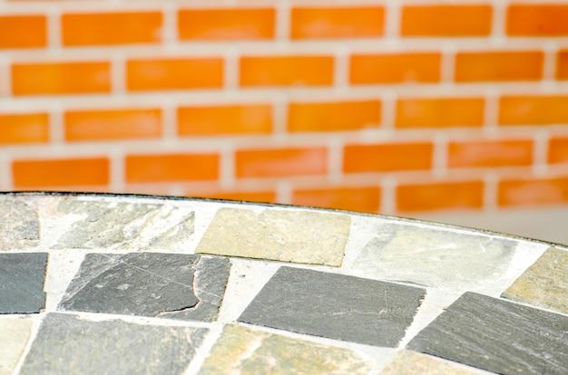 Mozaïek tafel steen op koffie winkel in de tuin
