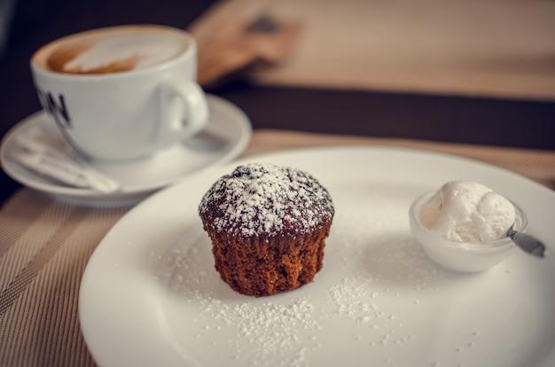 Muffin met ijs