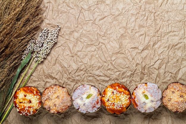 Muffins met bloemen