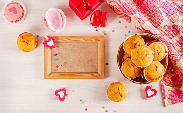 Muffins met plat liggende doek