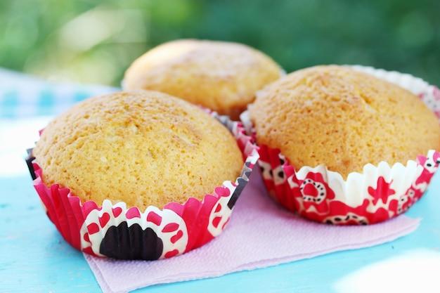 Muffins op tafel