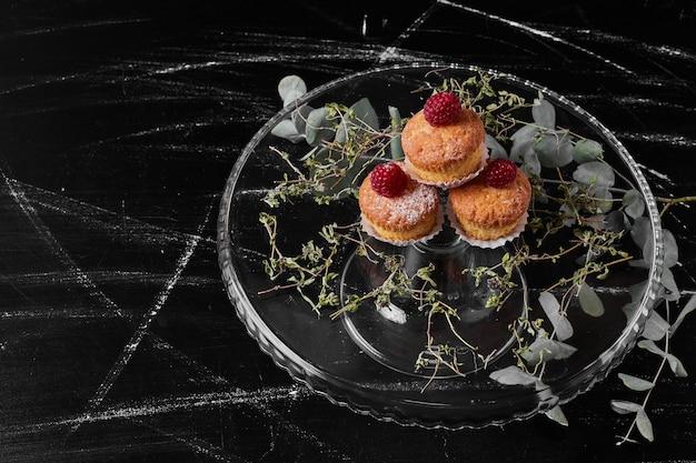 Muffins op zwart