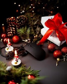 Muis voor pc en nieuwjaarsspeelgoed