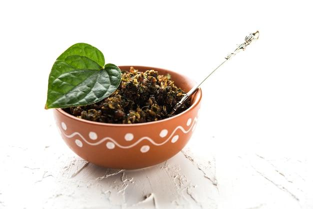 Mukhwas of tambul is een fijne mix van paan masala. het is een populaire mondverfrisser uit india die na de maaltijd wordt geconsumeerd. ook aangeboden aan godin durga devi in puja