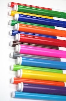 Multi-gekleurde markeringen op wit