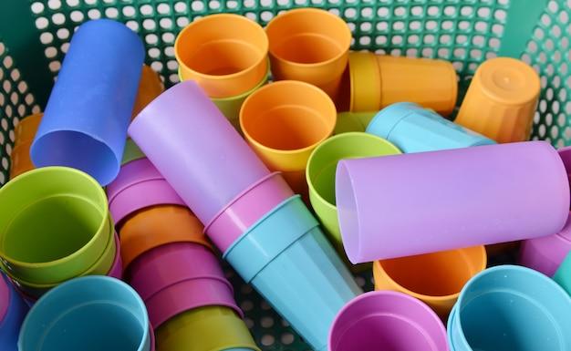 Multi-gekleurde plastic wegwerpglazen