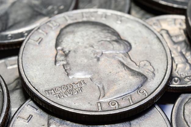 Munten van verschillende coupures close-up. macro foto