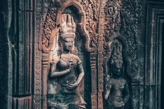 Muur in angkor wat - hindoese tempelcomplex in kambodja