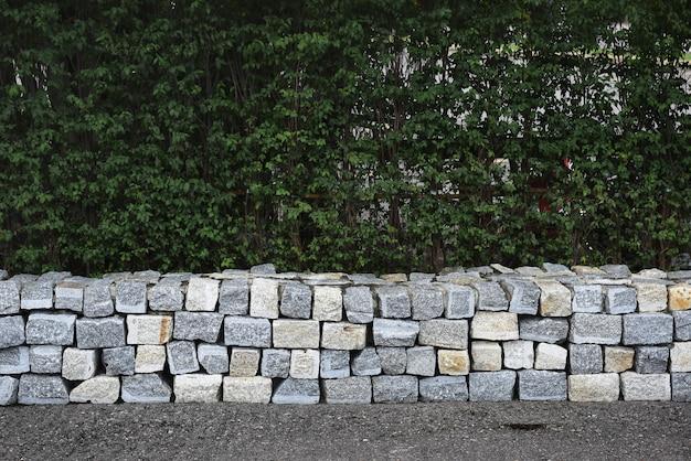 Muur van betonblokken