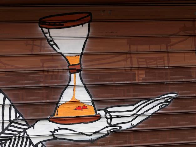 Muurschildering op de muur van een gebouw in de stad van manhattan, new york, de vs