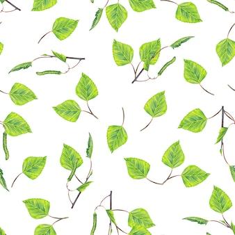 Naadloos patroon van realistische jonge groene berkentakken, bladeren, knoppen en katjes. aquarel.