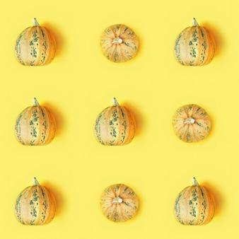 Naadloze patroon met kleine ronde pompoen, herfstvakantie