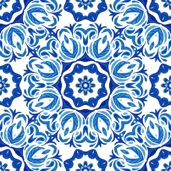 Naadloze sier aquarel textuur. damast vintage naadloze patroon van blauwe en witte oosterse tegels, ornamenten.