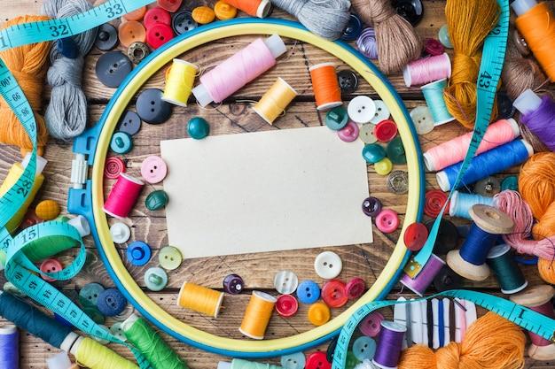 Naaihulpmiddel voor handwerk, gekleurde draden centimeter