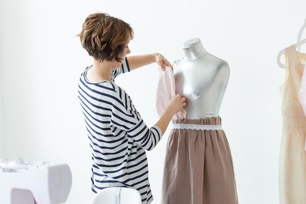 Naaister, kleine ondernemingen, modeontwerper en kleermakersconcept