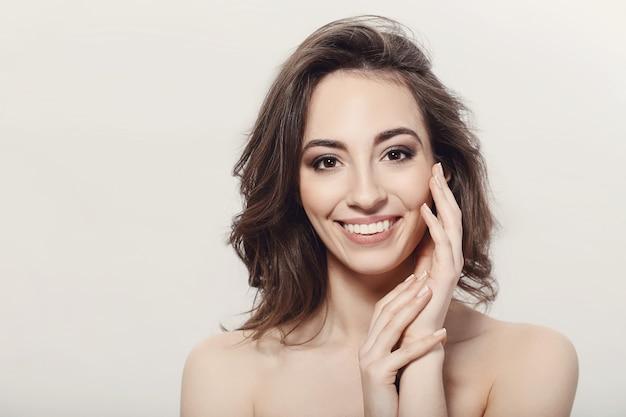 Naakt model in puur gezonde huid