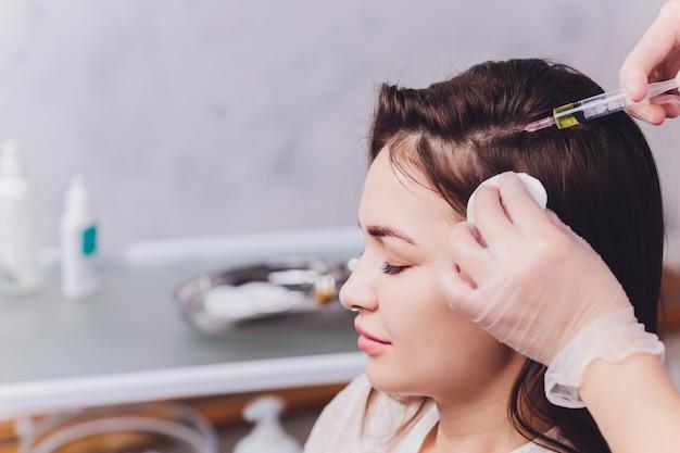 Naald mesotherapie in schoonheidssalon