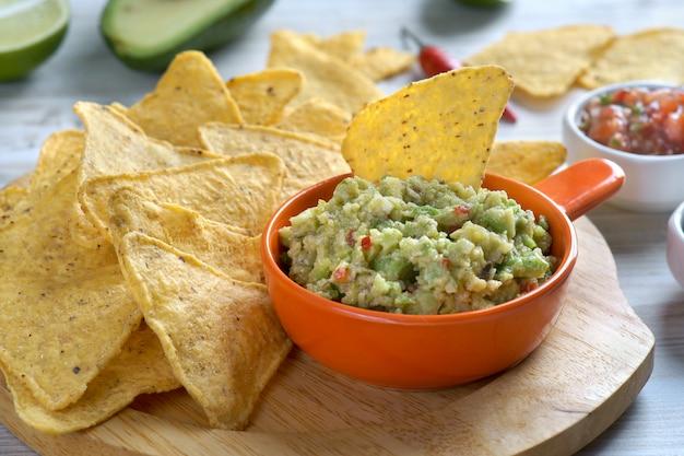Nacho's en guacamole