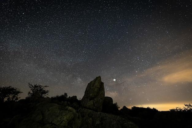 Nachtlandschap van het natuurpark torcal. antequera. andalusië. spanje.