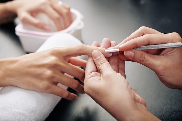 Nagel meester duwen nagelriem