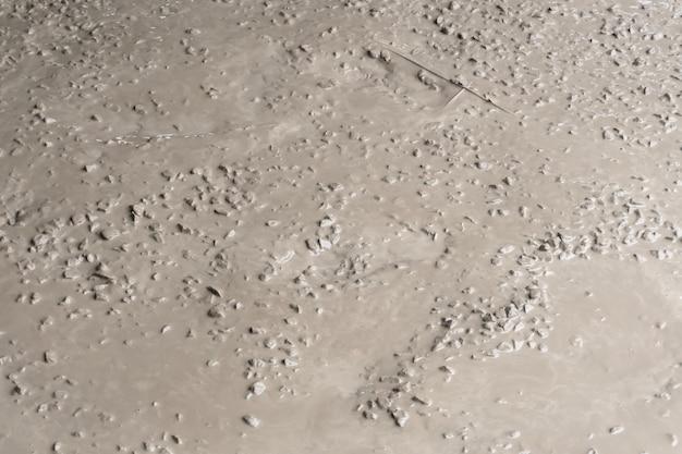 Nat cement. kant-en-klaar beton voor het storten van vloeren