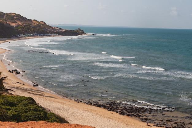 Natal, rio grande do norte, brazilië - 12 maart 2021: praia da pipa in rio grande do norte