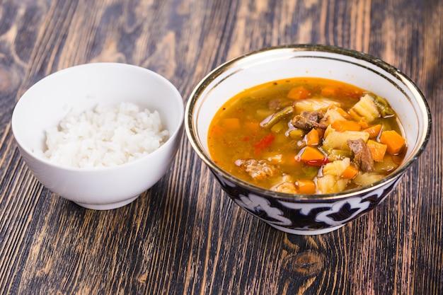 Nationale gerechten, azië, oost-concept - centraal-aziatische keuken.