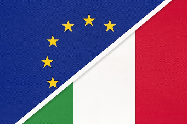 Nationale vlag van de europese unie of de eu versus italië