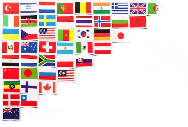 Nationale vlaggen van de verschillende landen van de wereld diagonaal aan de linkerkant.