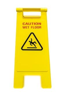 Natte vloer en lopende reiniging geïsoleerd op wit background.clipping pad.