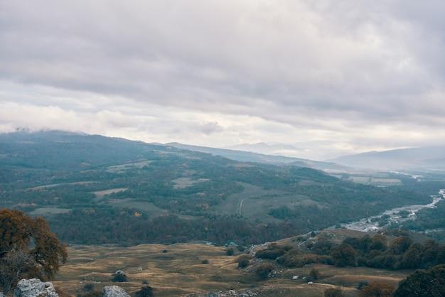 Natuur bergen wolken reizen landschap frisse lucht