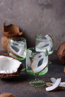 Natuurlijk gezond vers kokosnotenwater
