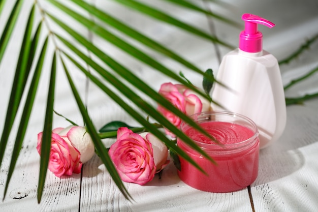 Natuurlijke biologische cosmetica voor haarverzorging. badproducten, badkamerset