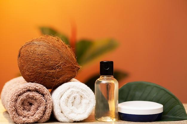 Natuurlijke cosmetica op basis van kokosolie voor een spabehandeling