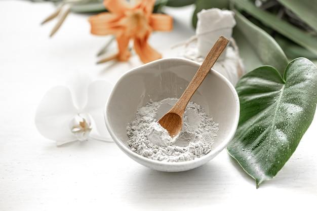 Natuurlijke cosmetica voor spa-behandelingen thuis of in de salon, cosmetische huidverzorging.