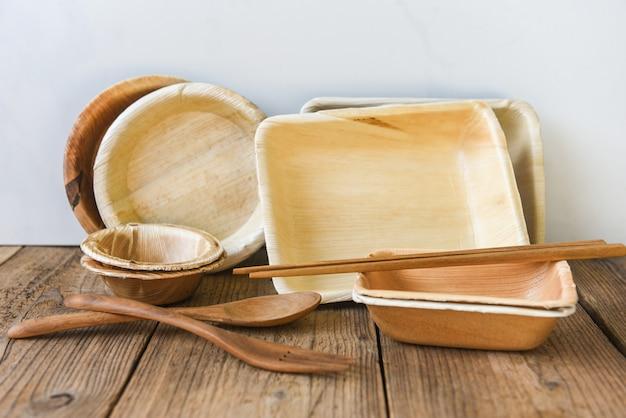 Natuurlijke milieuvriendelijke voedselverpakkingen en wegwerpbestek