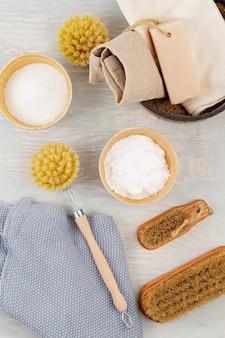 Natuurlijke organische herbruikbare huishoudelijke reinigingsproducten. geen afval, ecologisch, milieuvriendelijk